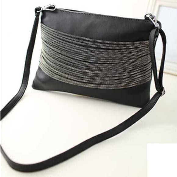 69 Off Handbags 💝black Chain Bag From Ella S Closet On