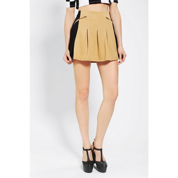 7a9791892ba Coincidence   Chance Pleated Colorblock Skirt. M 55b65a83397c626ecf010ba4