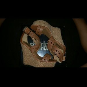 Brown Strapped Wedges!! Need to go!