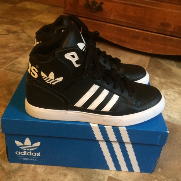 adidas extaball shoes black and white