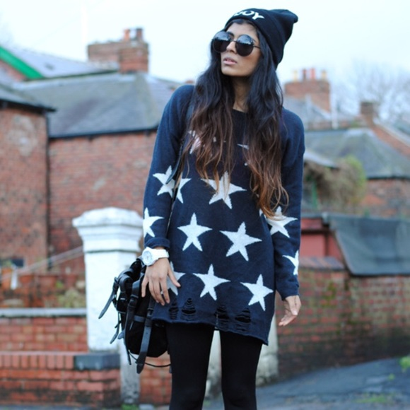 WILDFOX white label seeing stars Lennon sweater M NWT