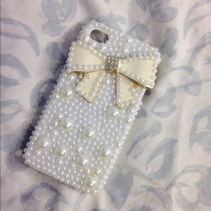 Accessories - 🙅SOLD🙅3D Pearl & Bow iPhone 4 Case💖
