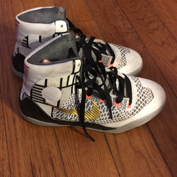Kobes Shoes Size   Youth