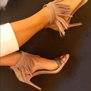 Vince Camuto Shoes - Vince Camuto fringe sandals