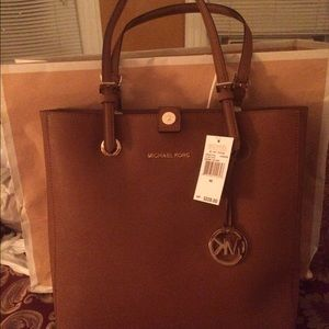 015e854f1c19 Michael Kors Bags - Michael Kors Tote Handbag- tan color