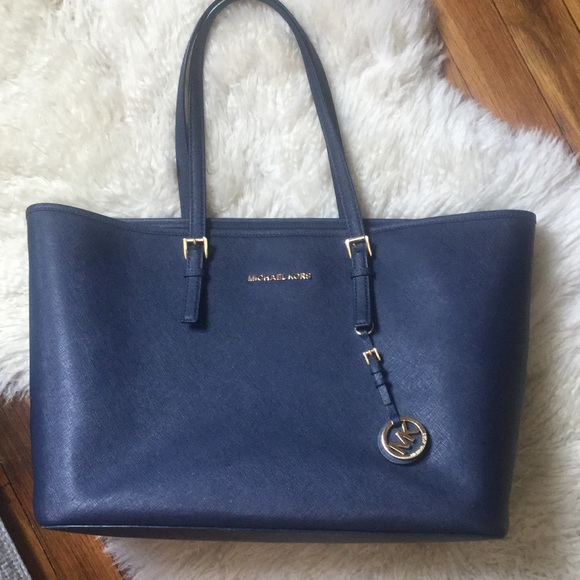 c6103be68534 🌺Michael Kors Navy Blue Jet Set Travel Tote Bag. M_55c38dad2035ea472100465c