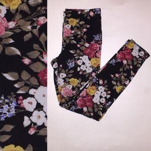 Pants - 🎉😊Flower Pattern Leggings.