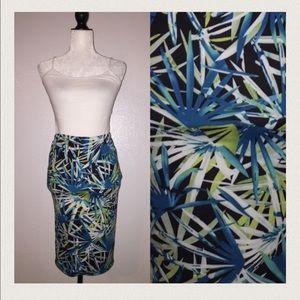 Dresses & Skirts - 🎉😊Tropical print Skirt.