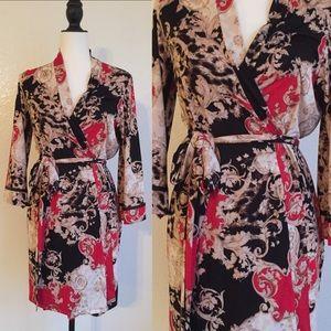 Dresses & Skirts - 🎉😊Printed Wrap Dress!