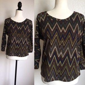 Tops - 🎉😊CUTE Zig zag print blouse!