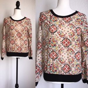 Tops - 🎉😊Floral printed blouse!