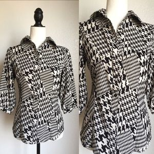 Tops - 🎉😊Houndstooth Print Blouse!