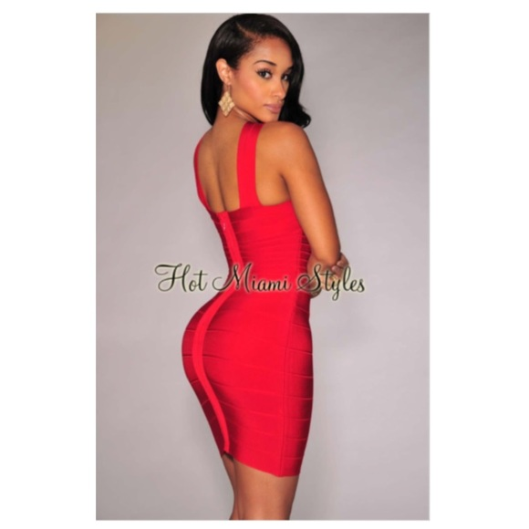 b60005d327e Hot Miami Styles Dresses   Skirts - 🔥🔥red crisscross neck bandage bodycon  dress