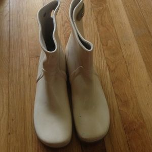 Sperry rain boots off white size 9