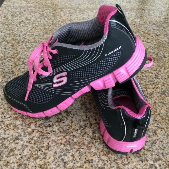 Sport Shoes Vs Skechers