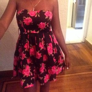 Forever 21 Dresses & Skirts - Forever 21 floral print dress