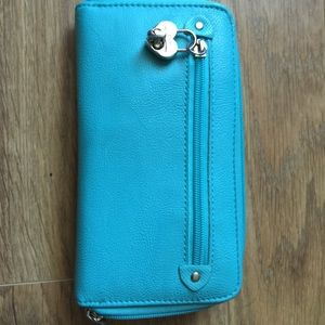 Aqua lulu clutch wallet