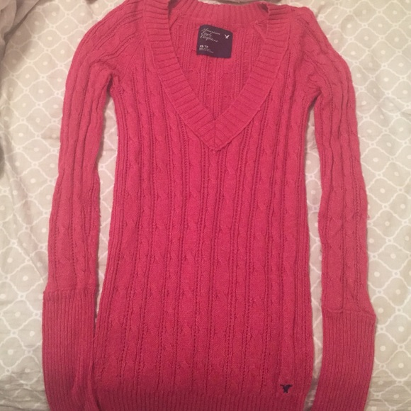 American Eagle Men's Chunky V-Neck Sweater M2. by American Eagle. $ $ 34 FREE Shipping on eligible orders. American Eagle Women's Chunky Knit Thick Wool Sweater W by American Eagle. $ $ 29 Product Features Cozy up in the best chunky knit sweater ever. Soft knit with textured.