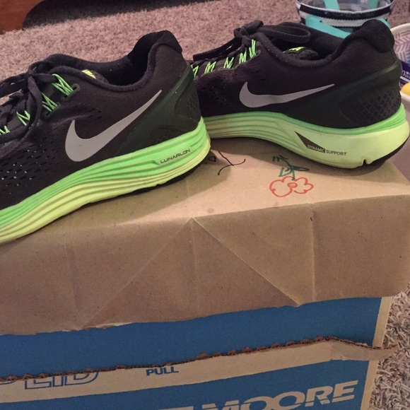 best website d3e69 adbc8 ... clearance nike lunarlon dynamic support sneakers. 9aae5 d8661