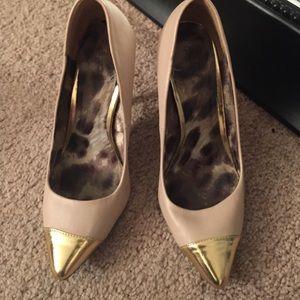 Nude/Gold heels