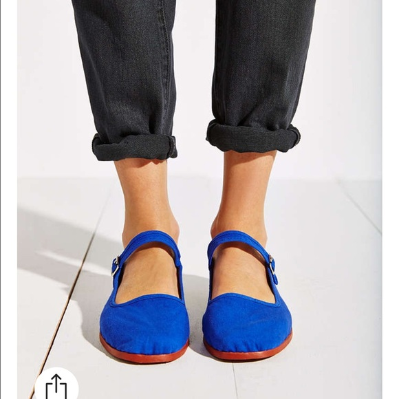 UO Urban Outfitters blue Mary Jane flat shoe. M 55b83fc572c9c57f3101cf18