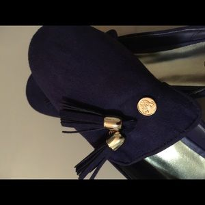 Disney collection Shoes - Purple velvet Mickey Pumps.