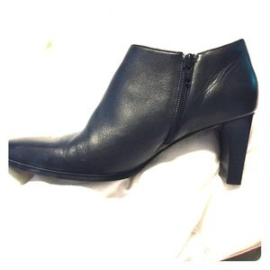 Black Anne Klein leather booties