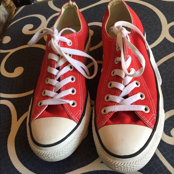 red womens shoes converse