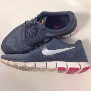 new concept 51f5a 0614f Nike Shoes - Nike WMNS Free 5.0 V4 dark armory blue size 10