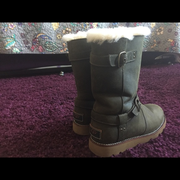 Exclusive limited edition olive green uggs