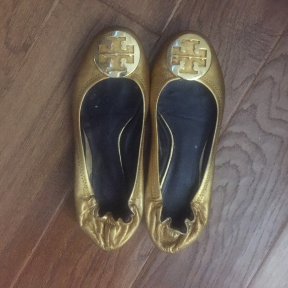 Gently used gold Tory burch 8.5 Reva flats.