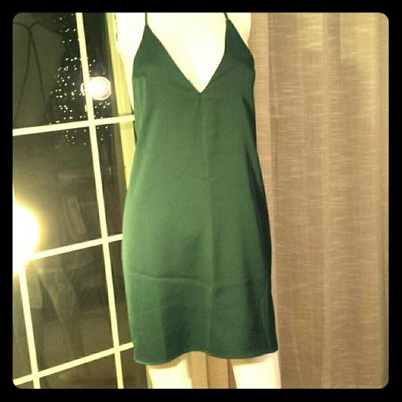 4418e5d2627 Forever 21 Dresses | Emerald Green Shift Dress With V String Back ...