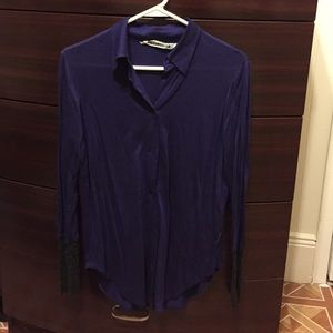 purple collar shirt