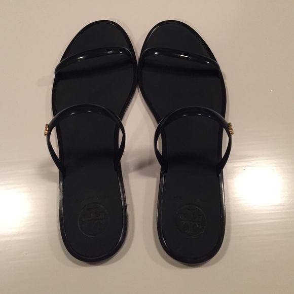 Do Tory Burch Jelly Shoes Run Small