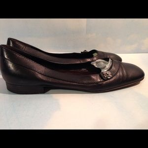 PRE-OWNED AUTH BLACK LEATHER CHANEL FLATS