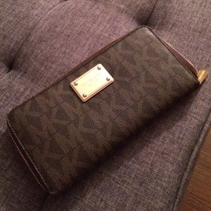 Michael Kors Monogram Travel Wallet