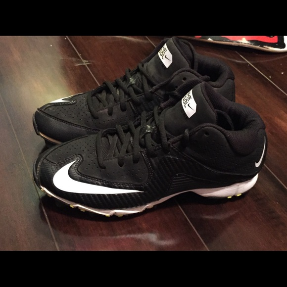 boys nikes bsbl cleats