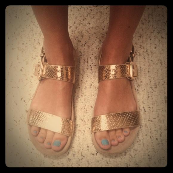 4b6bc5d6b7af36 Michael Kors Sawyer Gladiator Sandal Pale Gold. M 55ba57b9c402ae129d004325