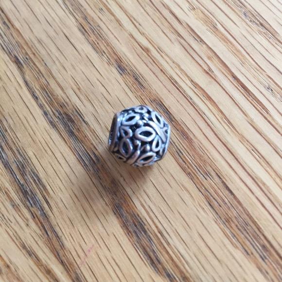 Pandora Butterfly Earrings: Pandora Butterfly Garden Charm
