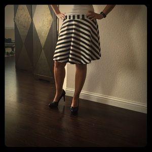 Dresses & Skirts - NWOT- Black & white striped skirt! 💗
