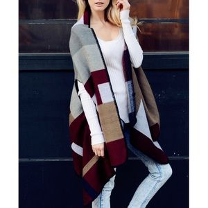 """Blank Letter"" Colorblock Poncho Cardigan Wrap"