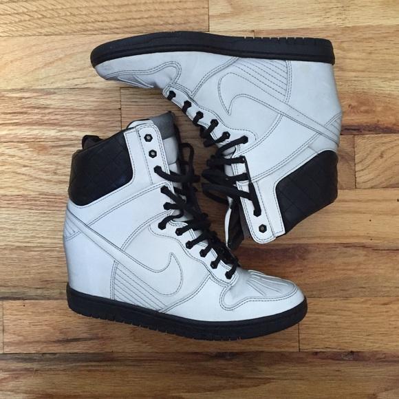 cheap for discount ce311 0bd48 Nike Dunk Sky Hi reflective sneaker boot. M 55ba8198d570415f9f005761