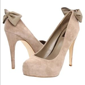 "Dolce Vita ""Briar"" Suede Stiletto Bow Pumps"