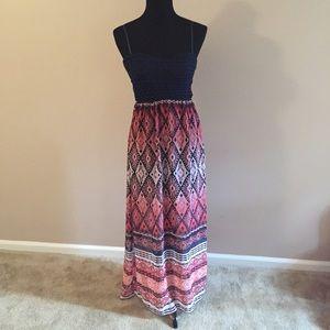 Dresses & Skirts - Tribal Print Maxi Dress