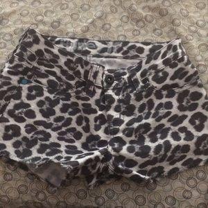 Woman's Hurley shorts