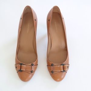 Banana Republic Cognac Leather Pumps