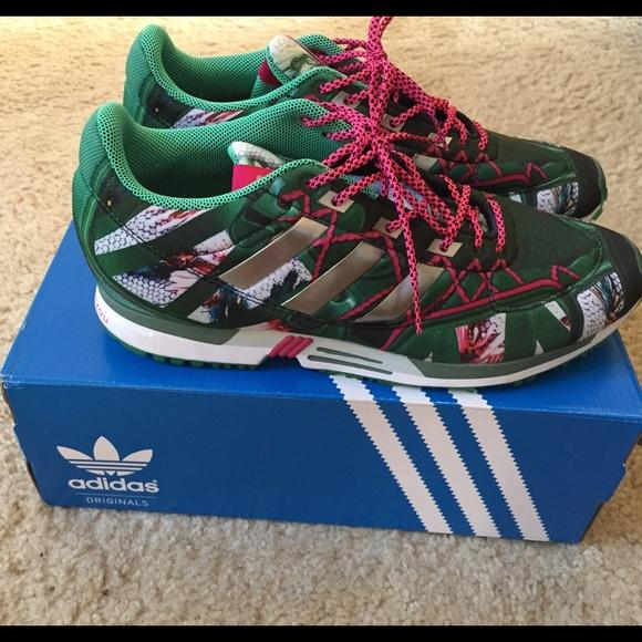 Le adidas limitata editionmary katrantzou scarpe poshmark