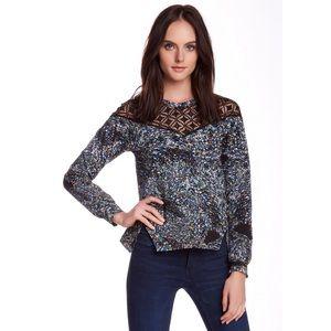 Tops - •Mosaic & Crochet Top•