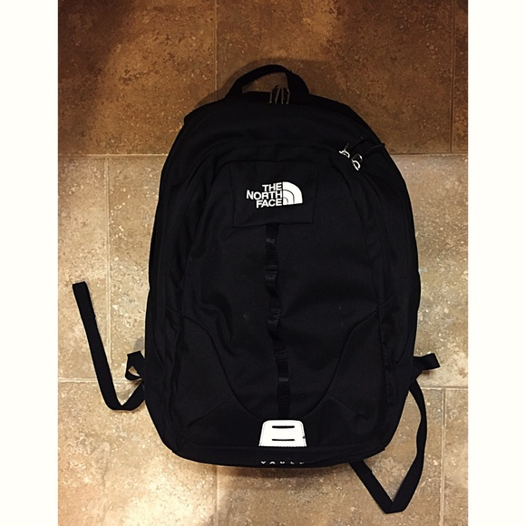 3532dc8069 The North Face Vault Backpack School Bag. M 55bae651514a681cf4001f71