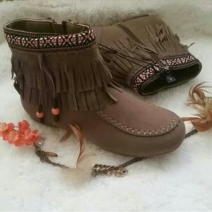 Tribal Embroidered Fringe Moccasin Booties